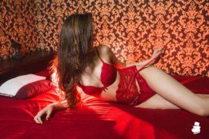 Мастера эротического массажа