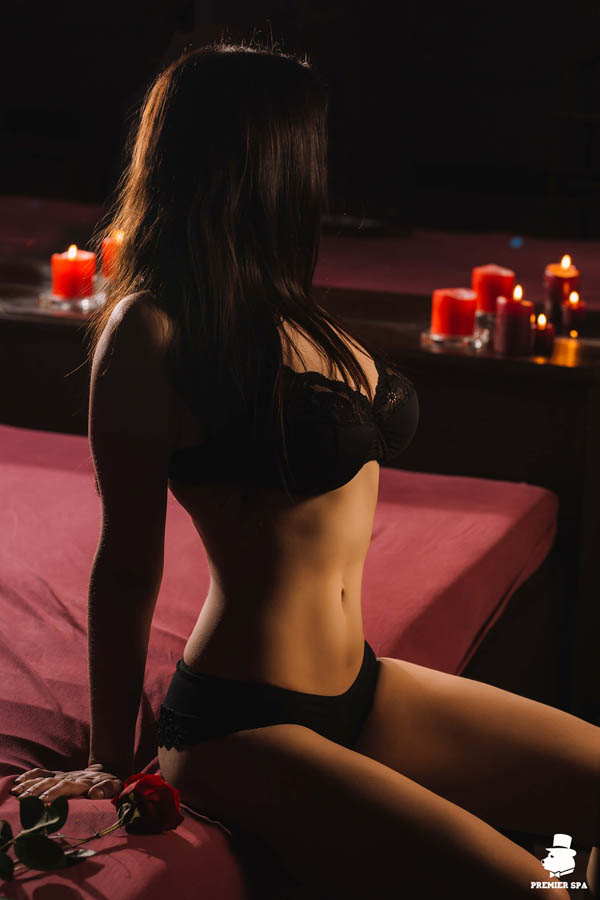 сеанс эротического йони-массажа
