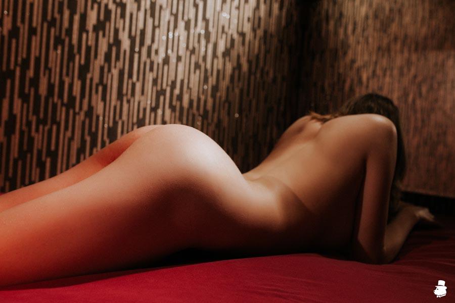 что такое тантрический массаж и кто его делает