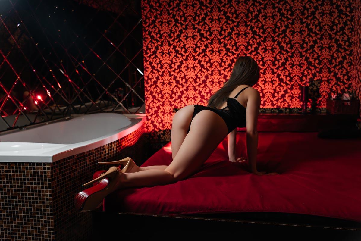 1 53 - Расписание мастеров салона эротического массажа Premier Spa