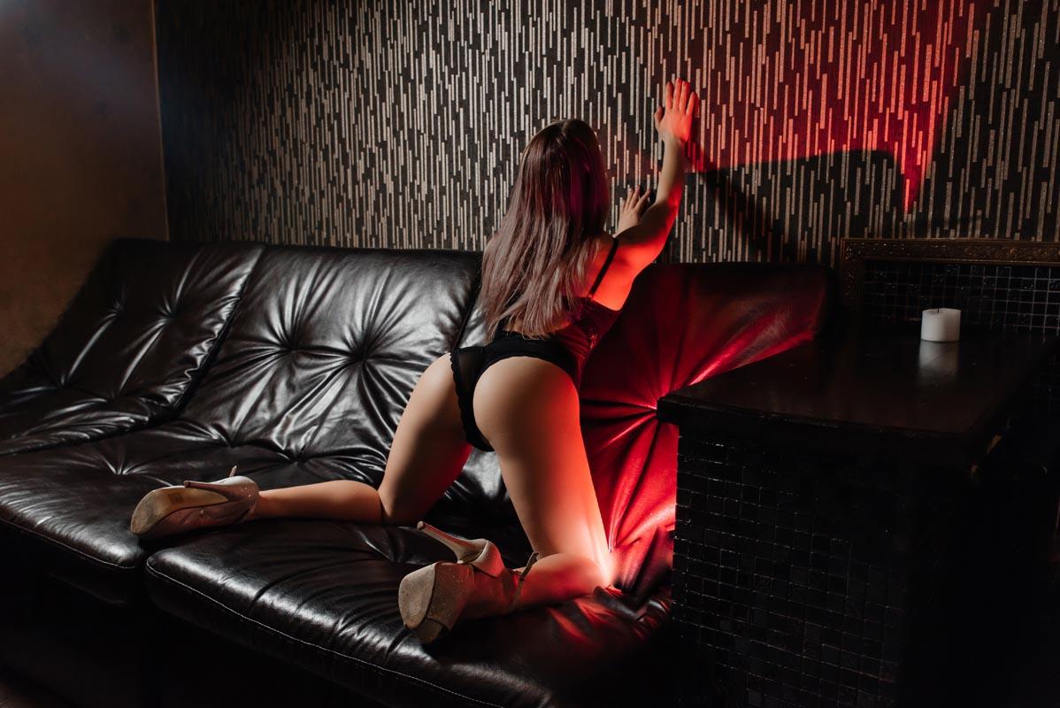 1 56 - Расписание мастеров салона эротического массажа Premier Spa
