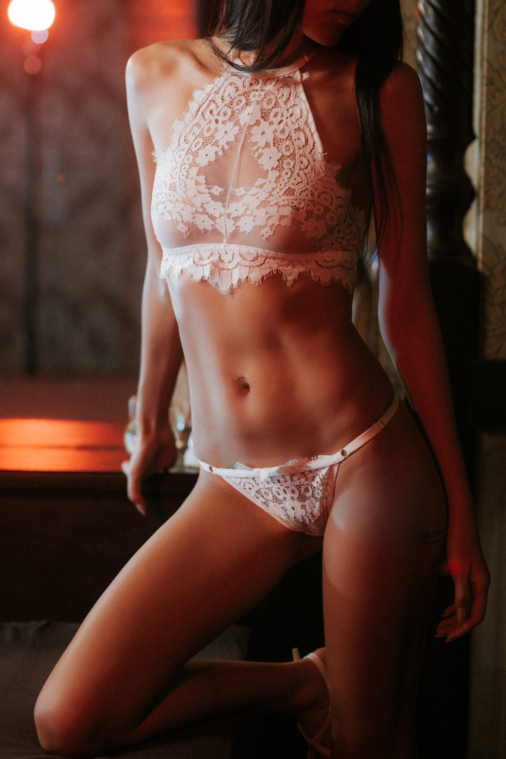 IMG 5726 1 scaled - Расписание мастеров салона эротического массажа Premier Spa