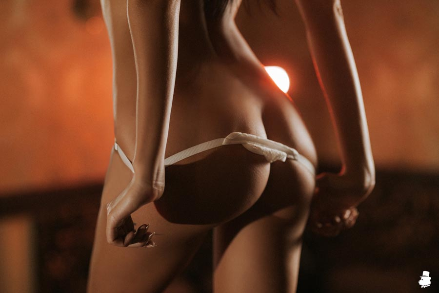 Сеанс мужского эротического массажа