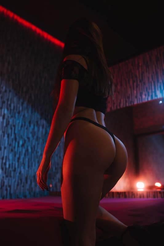IMG 7047 1 1 - Расписание мастеров салона эротического массажа Premier Spa