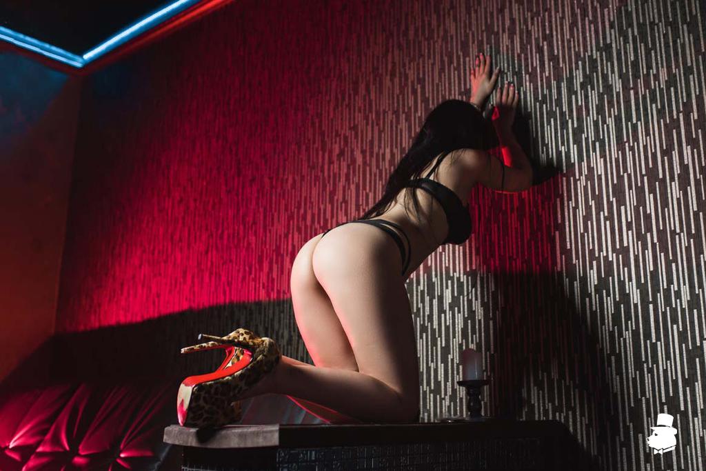 эротический массаж фото мастера